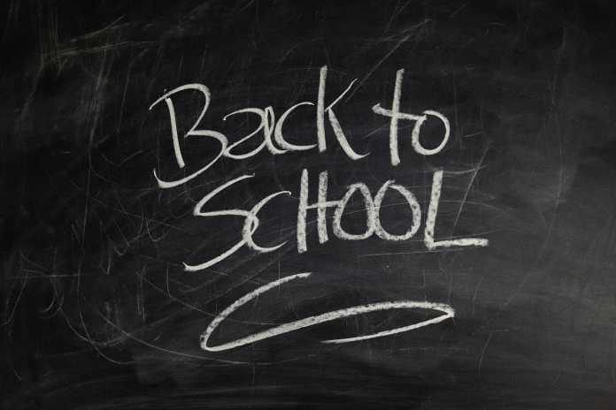 Copiii se întorc la școală