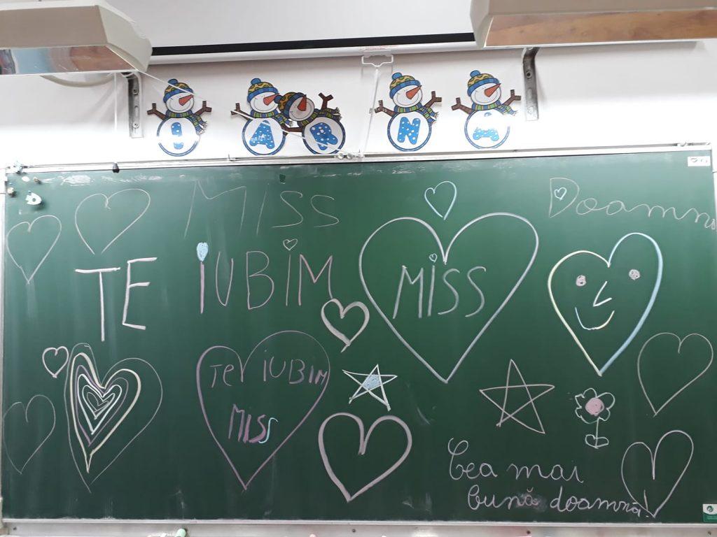 în Clasa învățătoarei Care Primește Cele Mai Frumoase Mesaje