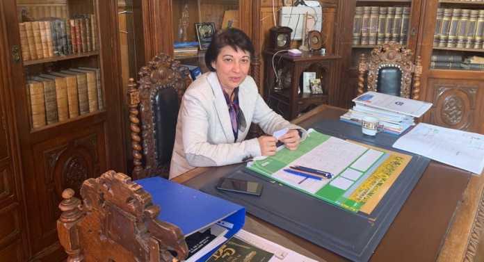 """Silvia Mușătoiu, director al Colegiului Național """"Gheorghe Șincai"""""""